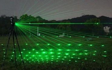 Lắp dàn laser 200 triệu múa sáng nghệ thuật chỉ để... dọa chim